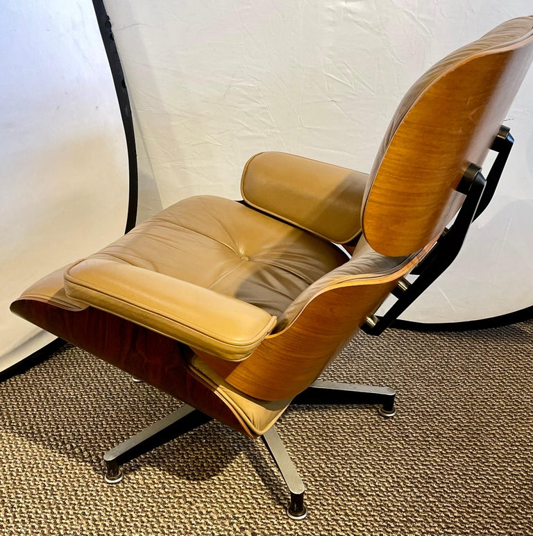American Charles Eames, Herman Miller Midcentury Chair and Ottoman