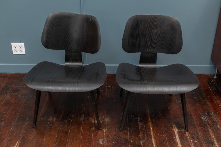 Mid-Century Modern Charles Eames LCW Lounge Chairs For Sale