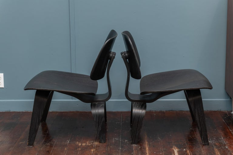 American Charles Eames LCW Lounge Chairs For Sale