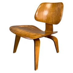 Charles Eames LCW Midcentury Lounge Chair in Maple for Herman Miller