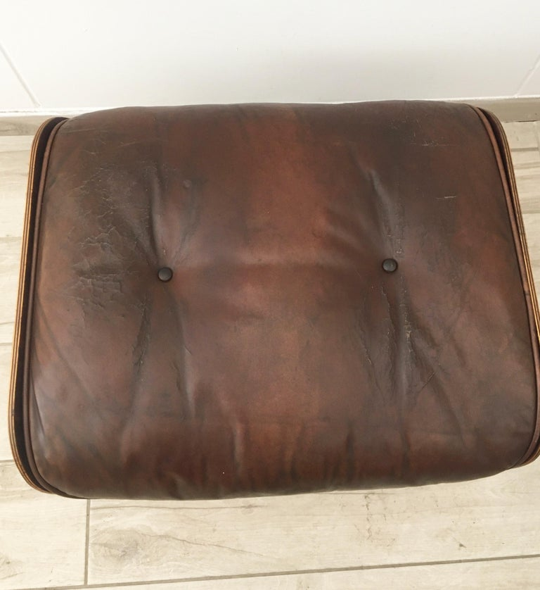Charles Eames for Herman Miller Style Leather Ottoman In Fair Condition For Sale In Naples, IT