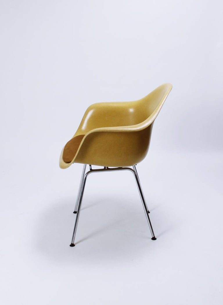 Charles Eames Molded  Fiberglass Dax Armchairs on H-Base 2