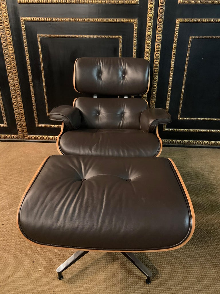 Bauhaus Charles Eames Style Lounge Chair with Ottoman real Leather