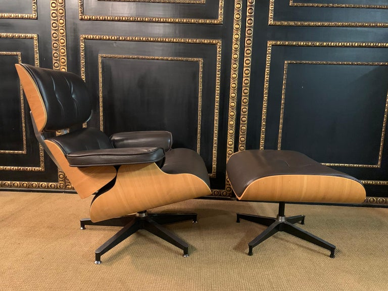 Veneer Charles Eames Style Lounge Chair with Ottoman real Leather
