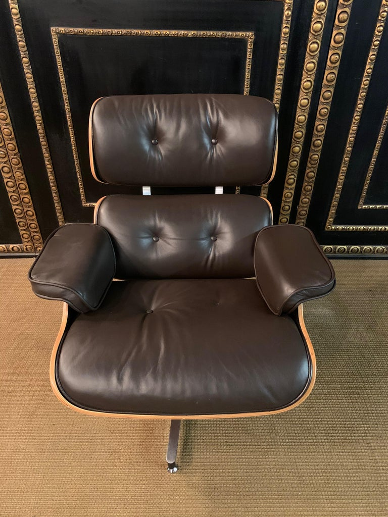 Charles Eames Style Lounge Chair with Ottoman real Leather 1