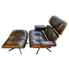 Charles et Ray Eames & Mobilier International - Lounge Chair and Ottoman