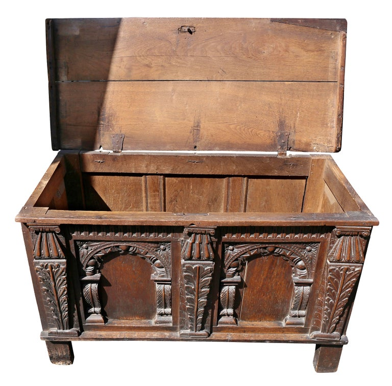 Charles II Oak Coffer In Good Condition For Sale In Essex, MA