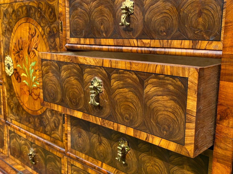 Charles II Oyster Olivewood Walnut Marquetry Cabinet on Stand In Good Condition For Sale In Lymington, GB