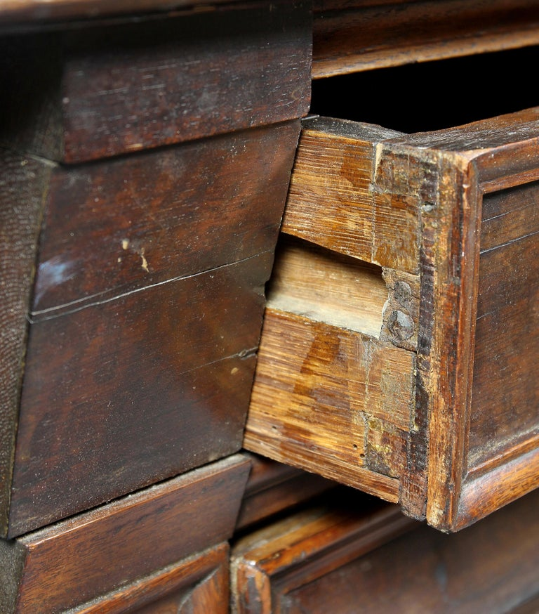 18th Century and Earlier Charles II Palisander and Oak Chest of Drawers For Sale