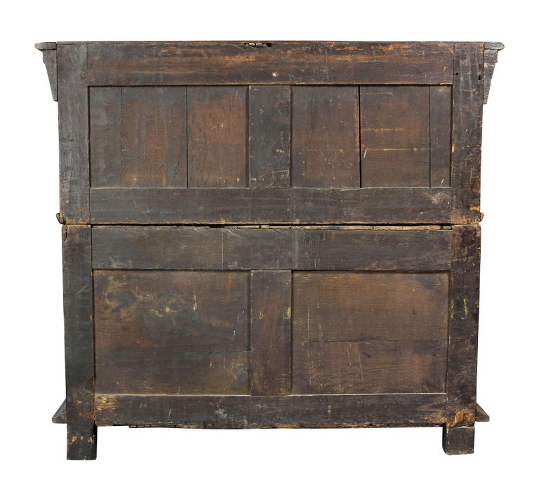 Charles II Palisander and Oak Chest of Drawers For Sale 4