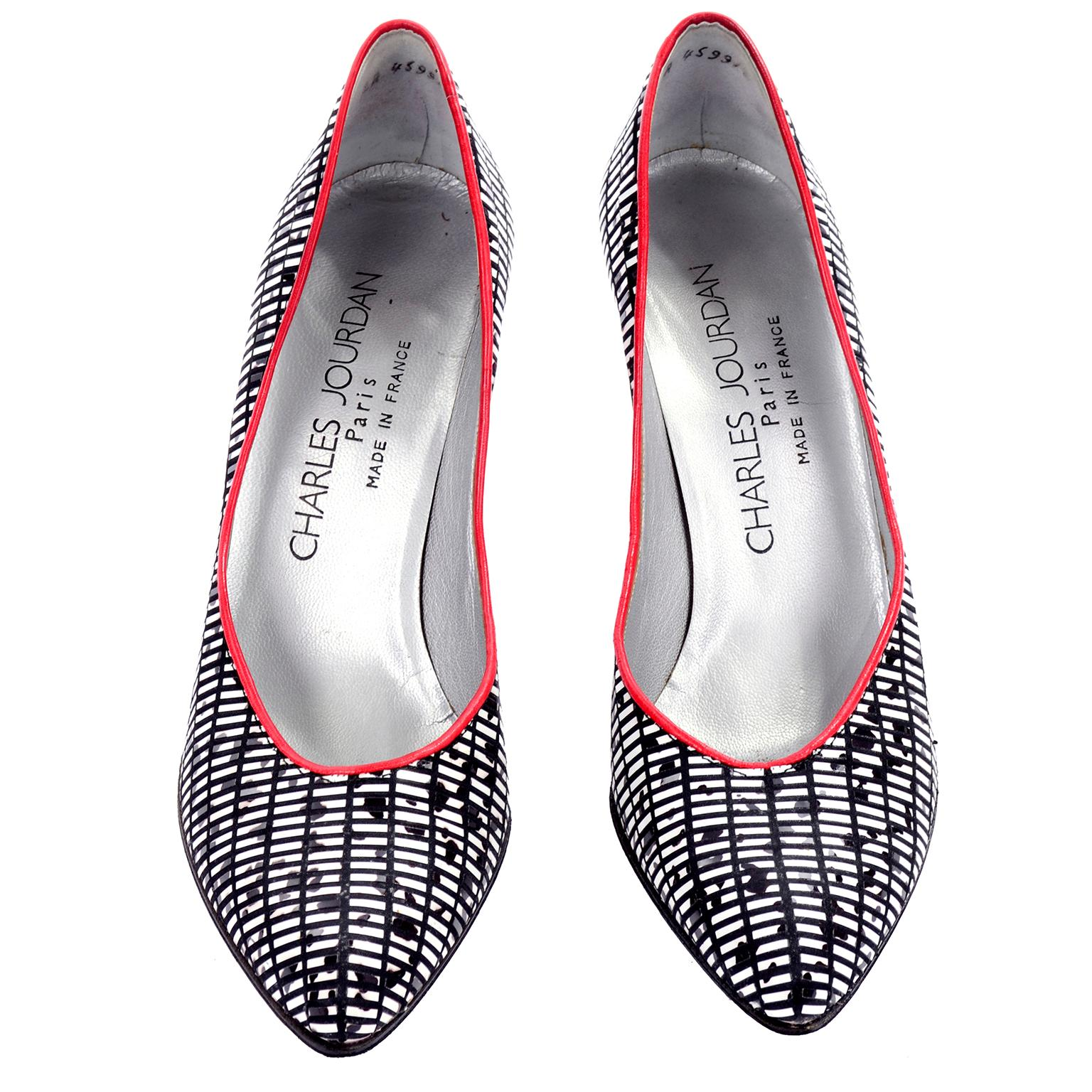 e0dd16ee46 Charles Jourdan Black and White Vintage Graphic Shoes WIth Red Heels 7N For  Sale at 1stdibs