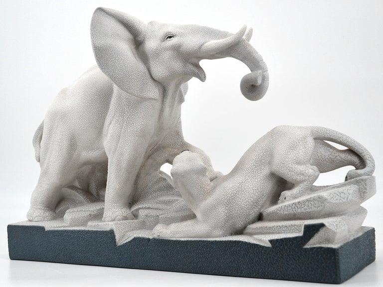 Charles Lemanceau French Art Deco Elephant Vs Lioness Sculpture, 1930s In Good Condition For Sale In Saint-Amans-des-Cots, FR