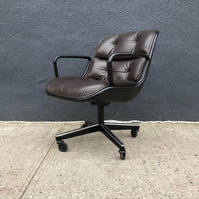 Charles Pollock for Knoll Executive Office Chairs Brown Leather, Midcentury For Sale 3