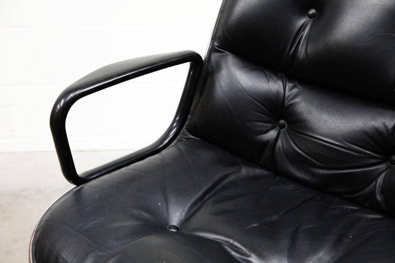 Charles Pollock for Knoll International Executive Desk Chair, Signed 1985 For Sale 6