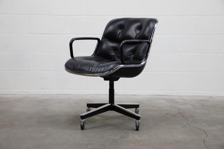 Mid-Century Modern Charles Pollock for Knoll International Executive Desk Chair, Signed 1985 For Sale