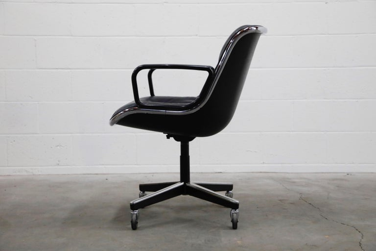 American Charles Pollock for Knoll International Executive Desk Chair, Signed 1985 For Sale