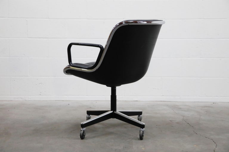 Charles Pollock for Knoll International Executive Desk Chair, Signed 1985 In Excellent Condition For Sale In Los Angeles, CA