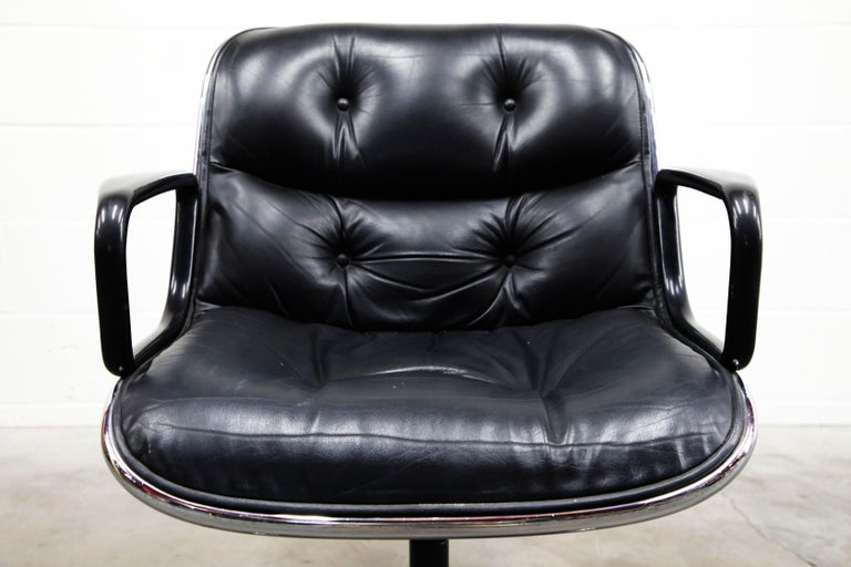 Charles Pollock for Knoll International Executive Desk Chair, Signed 1985 For Sale 2