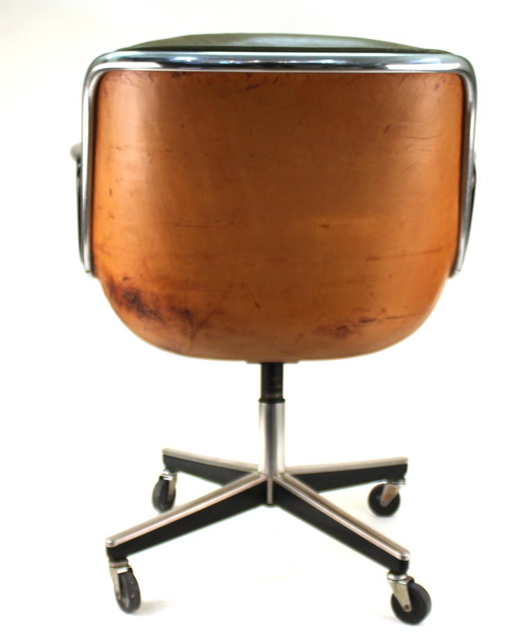 American Charles Pollock for Knoll Mid-Century Modern Executive Chair For Sale