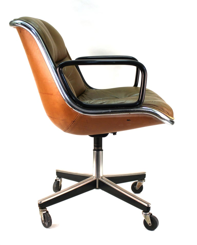 Charles Pollock for Knoll Mid-Century Modern Executive Chair In Good Condition For Sale In New York, NY