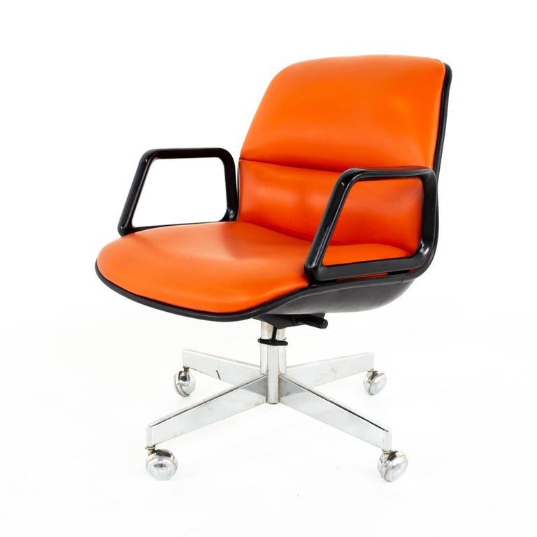 Charles Pollock for Knollstyle mid century all steel office desk chair  Chair measures: 25 wide x 28.5 deep x 32.5 high, with a seat height of 16.5 inches   All pieces of furniture can be had in what we call restored vintage condition. That