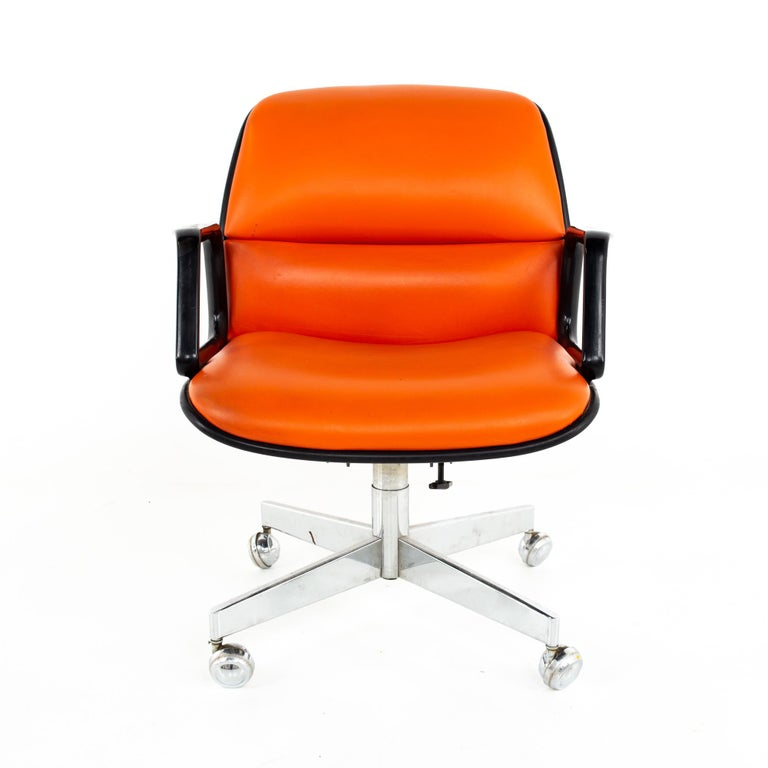Mid-Century Modern Charles Pollock for Knoll Style Mid Century All Steel Office Desk Chair For Sale