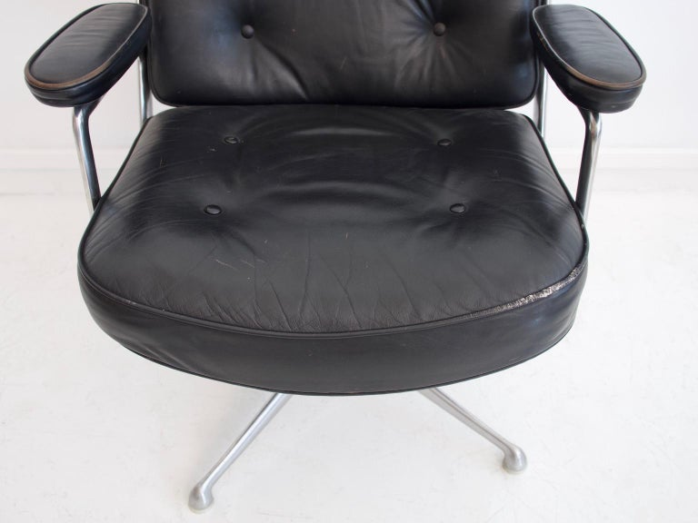 Charles & Ray Eames Black Leather Lobby Chair ES 108 For Sale 4