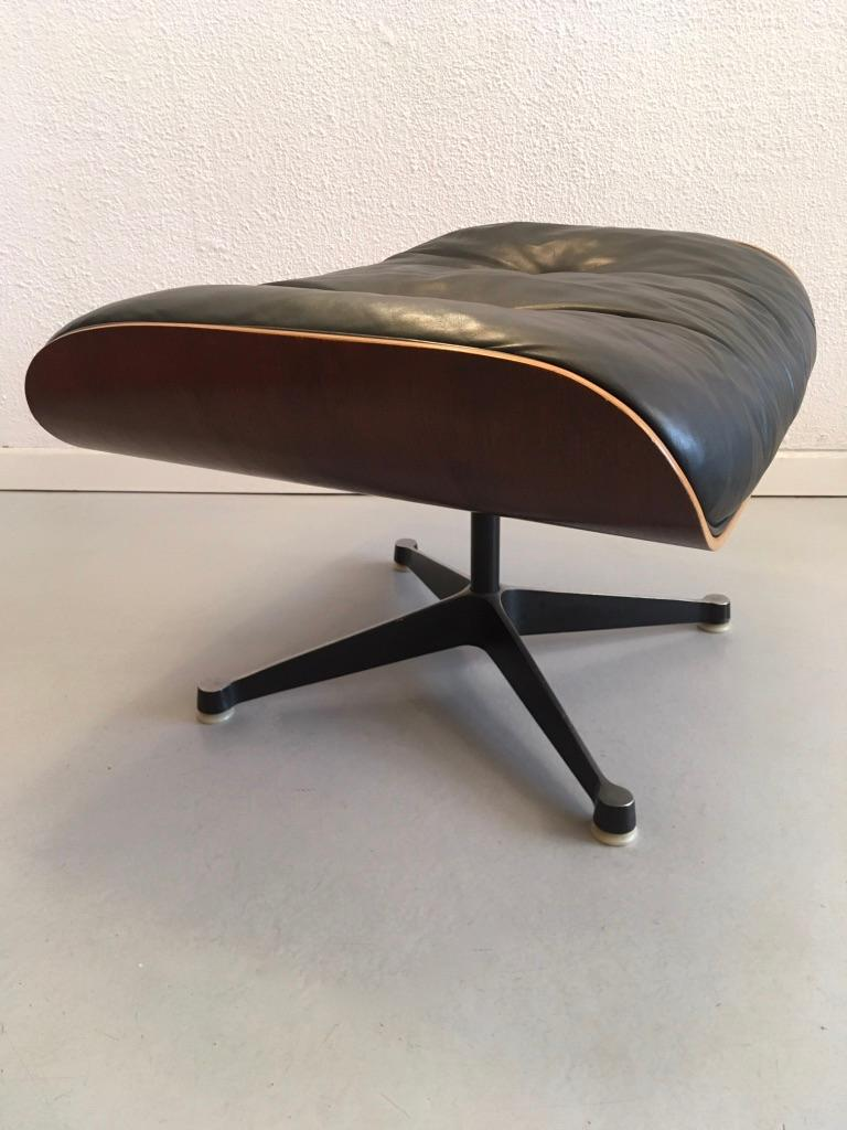 Charles & Ray Eames Black Leather and Rosewood Ottoman for Lounge Chair For Sale 2