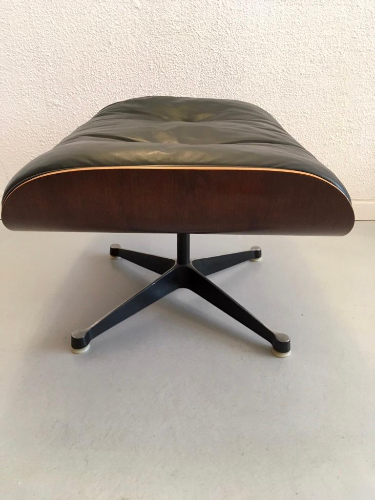 Charles & Ray Eames Black Leather and Rosewood Ottoman for Lounge Chair For Sale 4