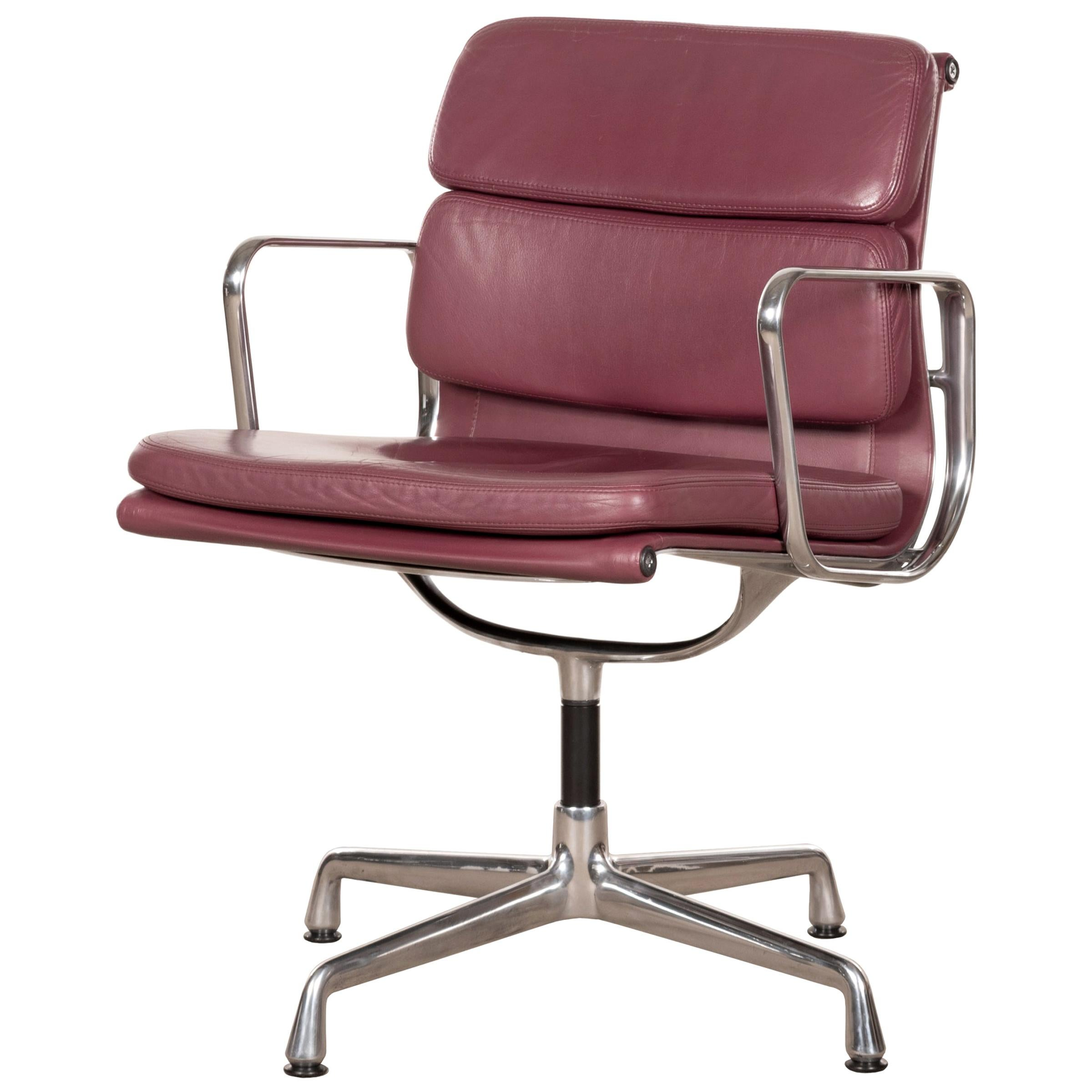 Charles & Ray Eames EA208 Soft Pad Chair in Aubergine / Purple leather by Vitra