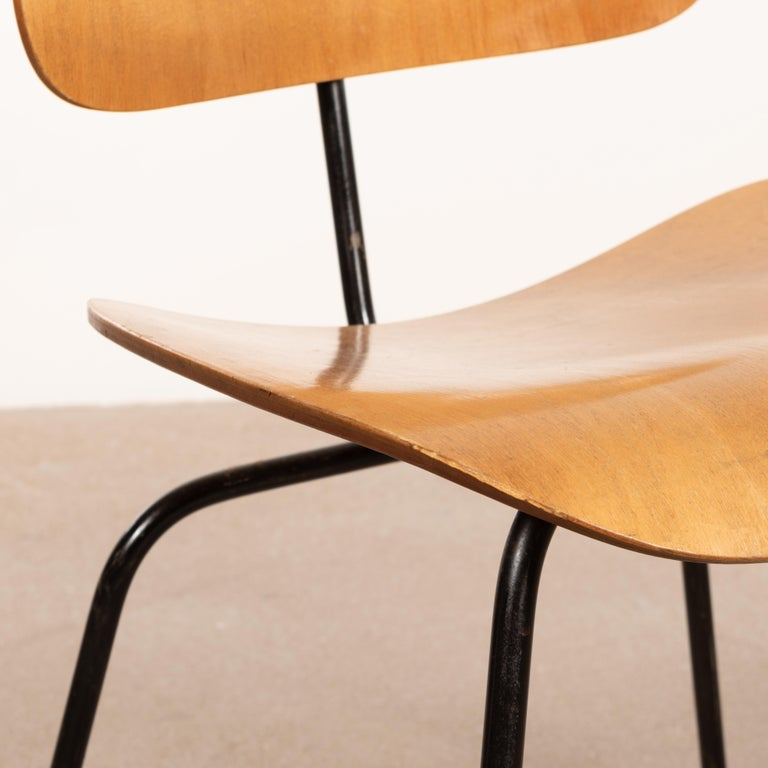 Charles & Ray Eames Early 1953 DCM Maple Side Chair Dining Set by Herman Miller For Sale 2