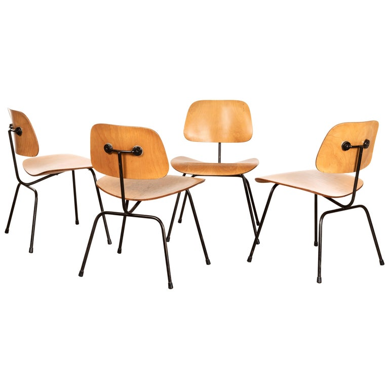 Charles & Ray Eames Early 1953 DCM Maple Side Chair Dining Set by Herman Miller For Sale