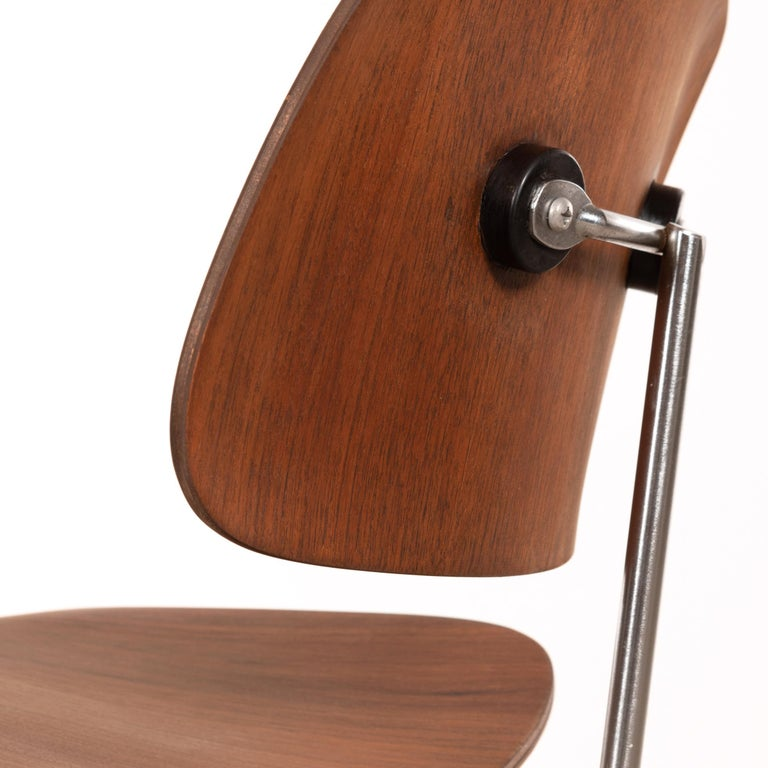 Charles & Ray Eames Early DCM Walnut Side Chair by Herman Miller, USA 9