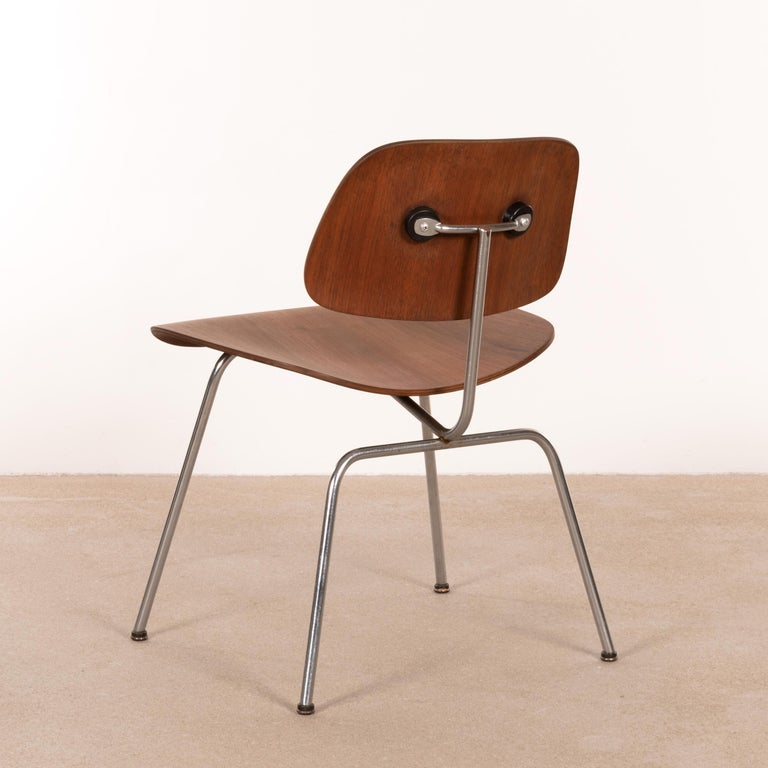 Mid-Century Modern Charles & Ray Eames Early DCM Walnut Side Chair by Herman Miller, USA
