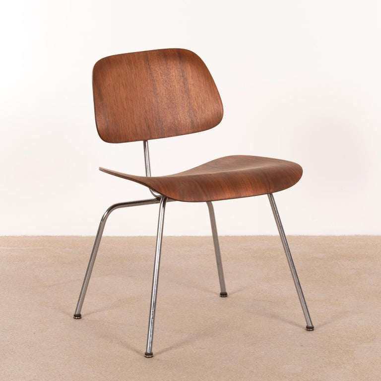 Mid-20th Century Charles & Ray Eames Early DCM Walnut Side Chair by Herman Miller, USA