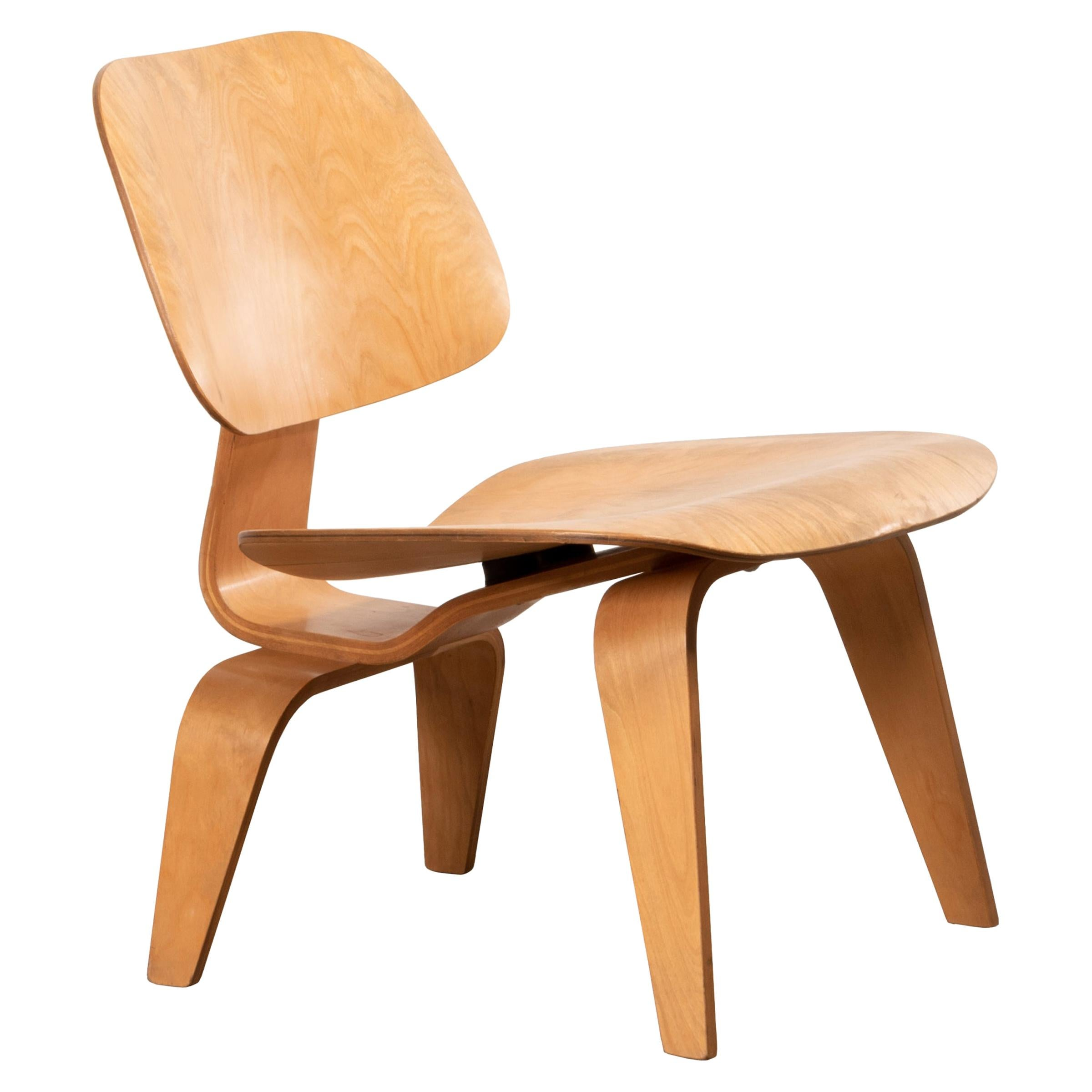 Charles & Ray Eames Early LCW Maple Lounge Chair for Herman Miller, 1952