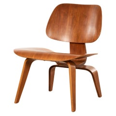 Charles & Ray Eames Early LCW Walnut Lounge Chair for Herman Miller, 1951