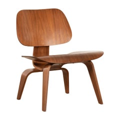 Charles & Ray Eames Early LCW Walnut Lounge Chair for Herman Miller, 1953