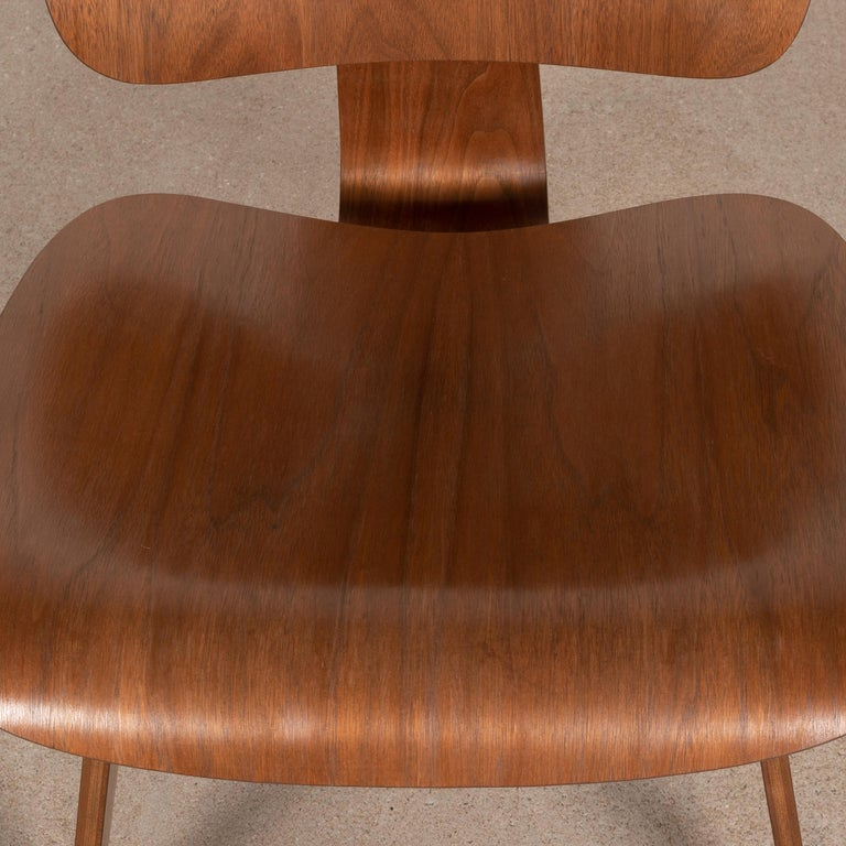 Charles & Ray Eames Early LCW Walnut Lounge Chair for Herman Miller 6