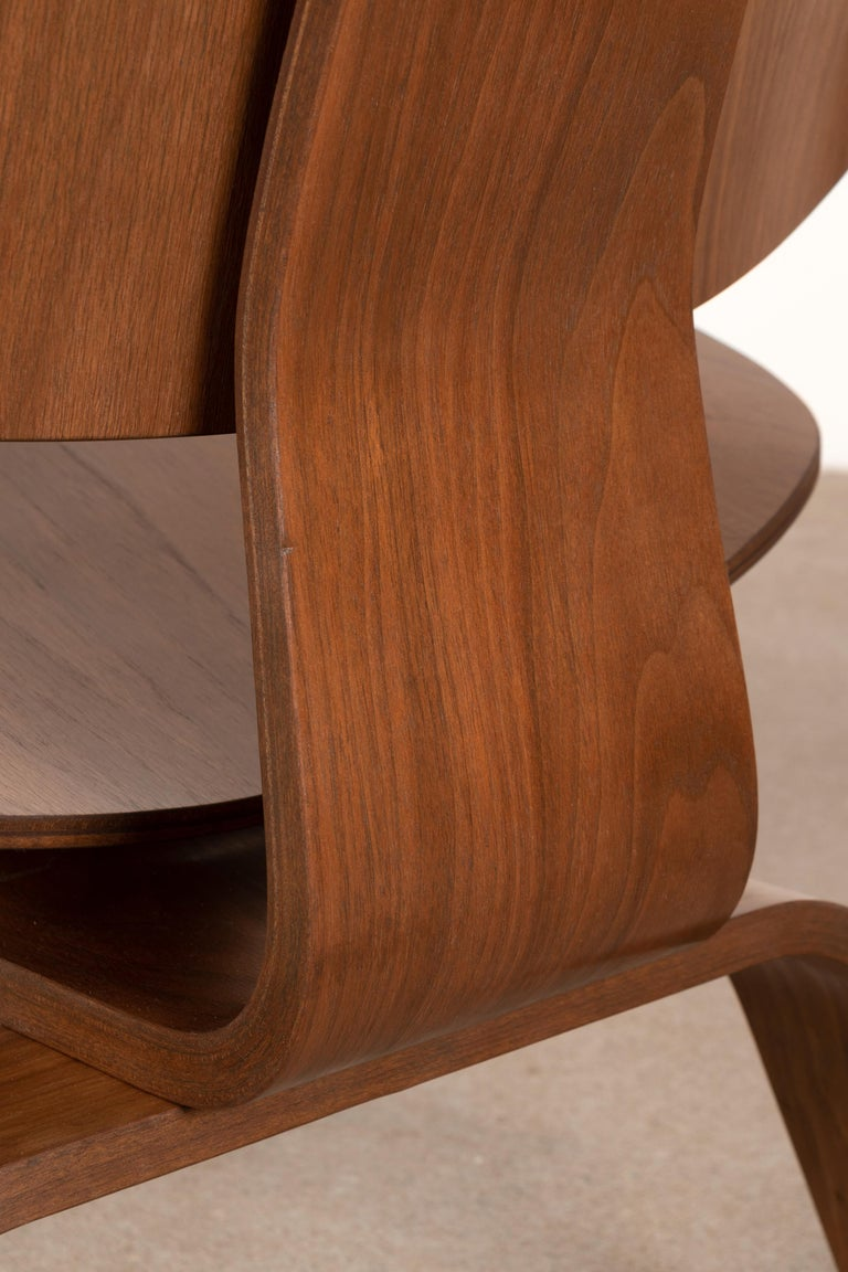Charles & Ray Eames Early LCW Walnut Lounge Chair for Herman Miller 11