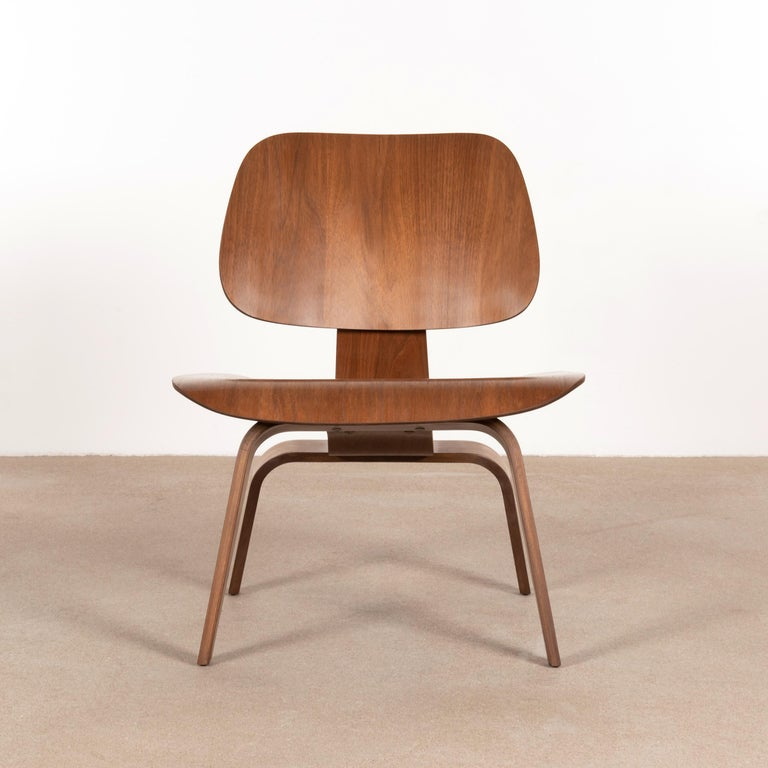 Charles & Ray Eames Early LCW Walnut Lounge Chair for Herman Miller 1