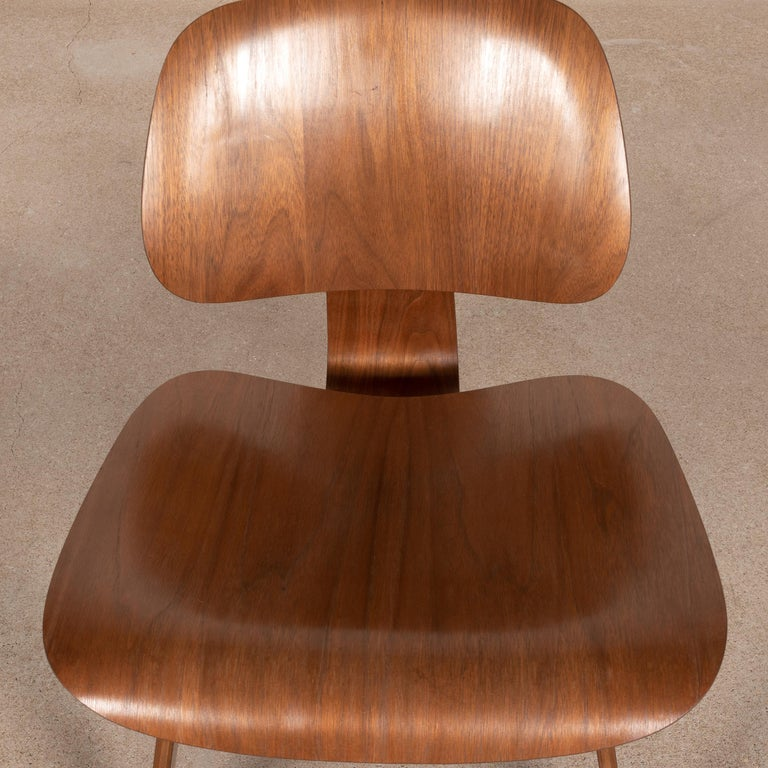 Charles & Ray Eames Early LCW Walnut Lounge Chair for Herman Miller 2