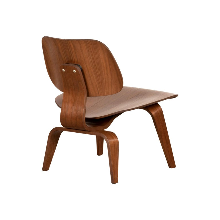 Charles & Ray Eames Early LCW Walnut Lounge Chair for Herman Miller