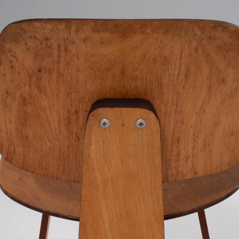Charles & Ray Eames for Herman Miller DCW Dining Chairs, 1950s Set of 2 For Sale 4