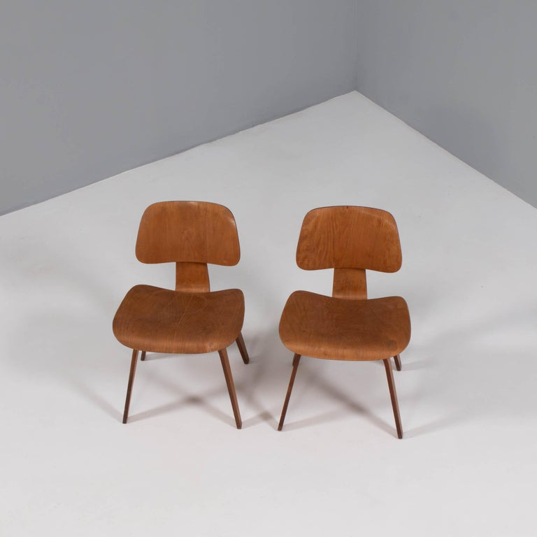 Mid-Century Modern Charles & Ray Eames for Herman Miller DCW Dining Chairs, 1950s Set of 2 For Sale