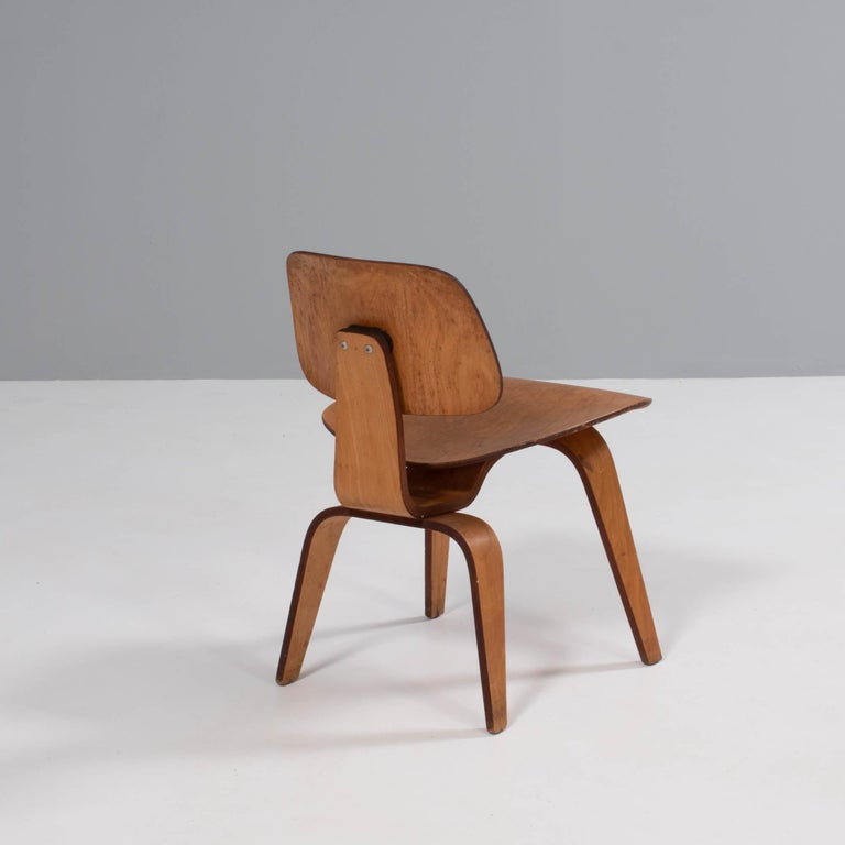 Plywood Charles & Ray Eames for Herman Miller DCW Dining Chairs, 1950s Set of 2 For Sale