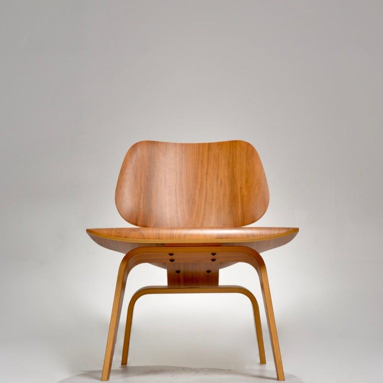 Molded Charles and Ray Eames for Herman Miller LCW Walnut Lounge Chair For Sale