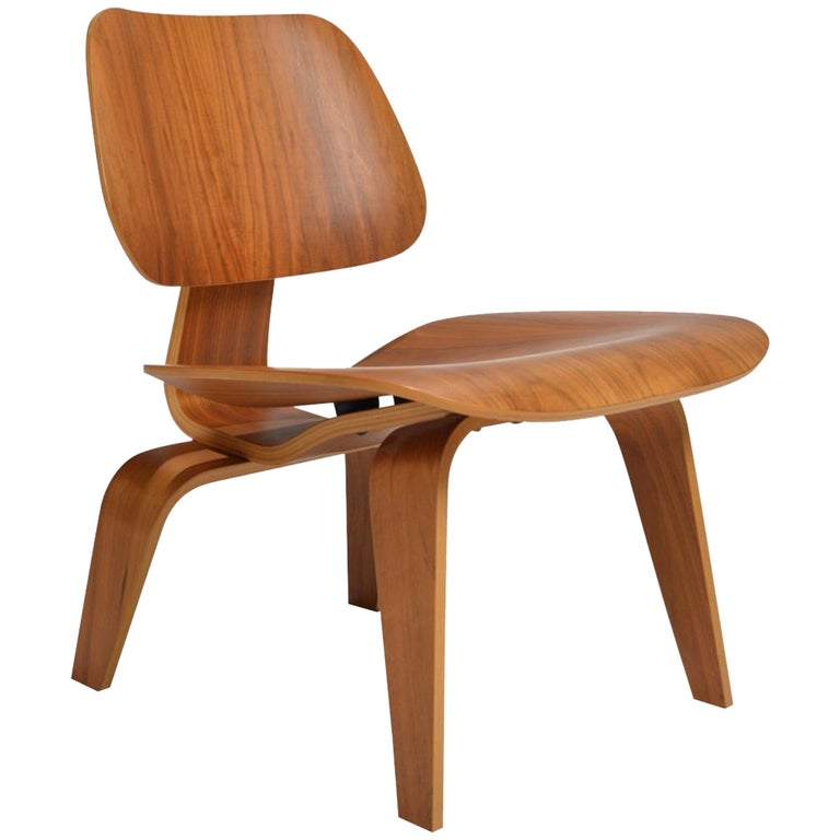 Charles and Ray Eames for Herman Miller LCW Walnut Lounge Chair For Sale