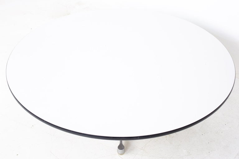 Charles Ray Eames Herman Miller Aluminum Group MCM Round Stainless Coffee Table In Good Condition For Sale In La Grange, IL