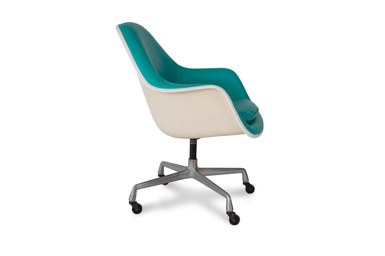 American Charles Ray Eames Herman Miller Office Chairs For Sale